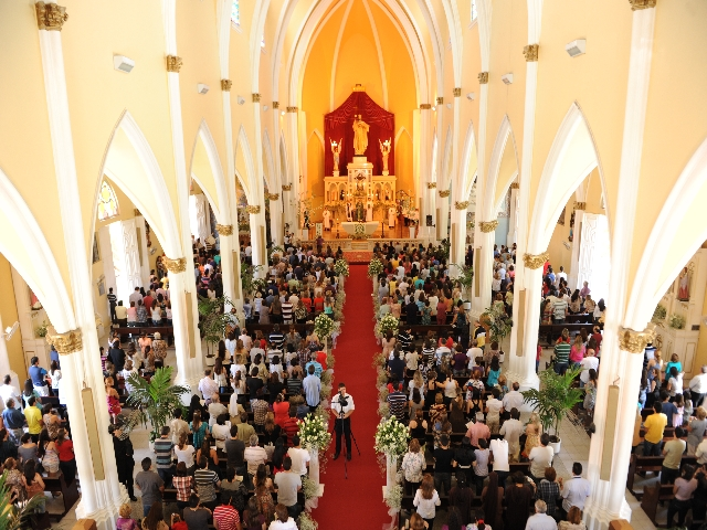 paróquia cristo rei nave