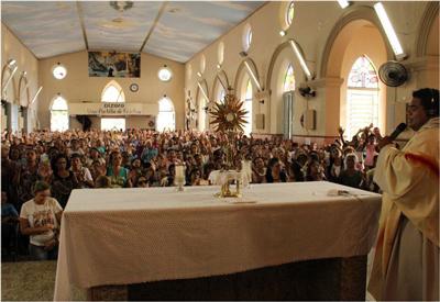 Missa-dos-ouvintes-na-Igreja-da-Piedade400