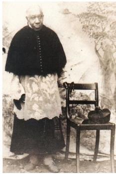 Padre Victor Trs Pontas MG2 233x350