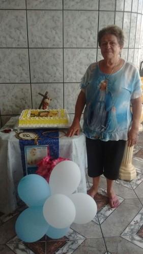 Dona Ieda faz festa no dia da Caminhada com Maria.